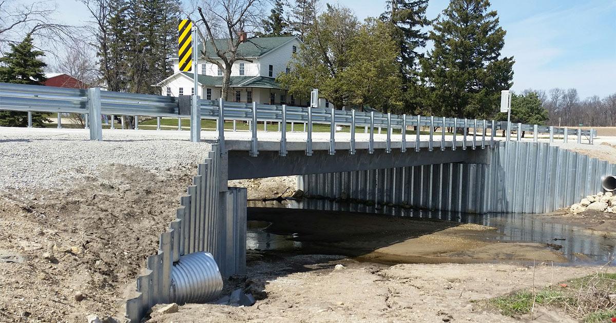 Short span steel bridge corrugated steel pipe